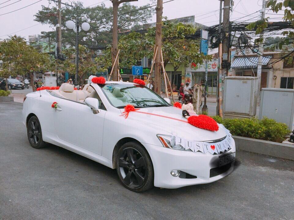 xe hoa Lexus mui trần