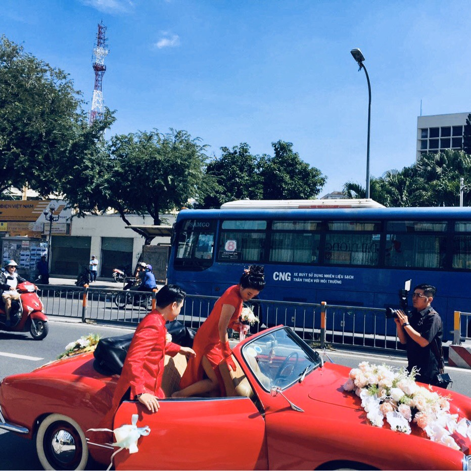xe Karmann mui trần đỏ